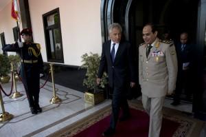 Der neue Präsident Ägyptens? Abdel Fatah al Sisi mit US-Verteidigungsminister Chuck Hagel. Foto: Erin A. Kirk-Cuomo (CC BY 2.0)