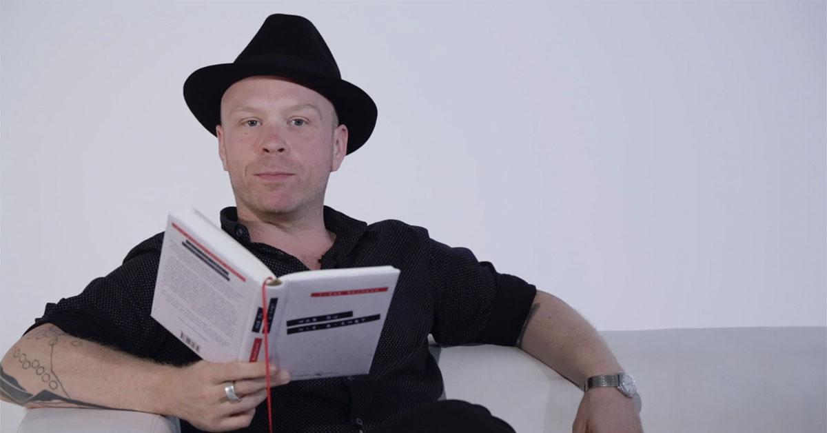 Tibor Baumann liest aus »Was du nie siehst«